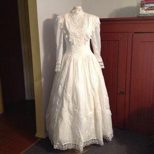 Vintage Jessica McClintock Prairie Wedding Dress